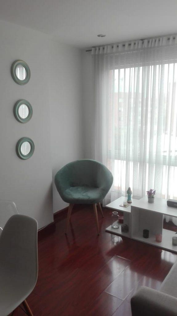 Como decorar una sala sencilla y económica moderna con poco dinero